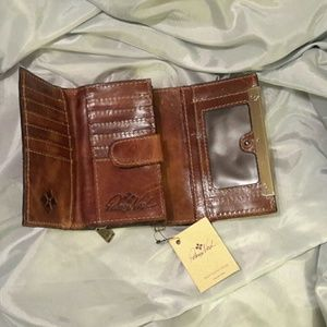 Patricia Nash Distressed Leather Cametti Tri-fold Wallet Cognac Brown P14306